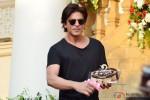 Shah Rukh Khan Celebrated His Birthday With Media In Mumbai Pic 1