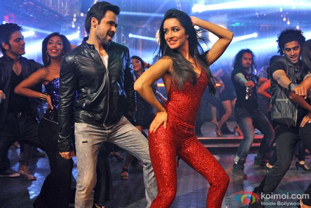 Emraan Hashmi and Shraddha Kapoor in a song 'Ungli Pe Nachalein' still from movie 'Ungli'