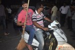 Vivek Oberoi Picks Up Broom For 'Swachh Bharat Abhiyan' Pic 1