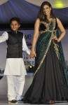 Lisa Ray Walks The Ramp For Global Peace Initiative Pic 2