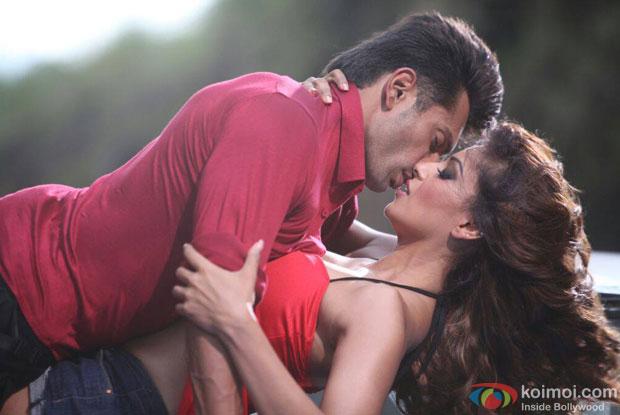Karan Singh Grover and Bipasha Basu in a still from movie 'Alone'