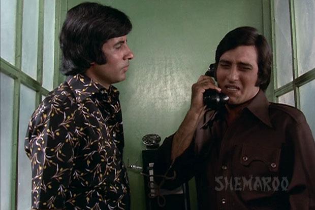 Amitabh Bachchan and Vinod Khanna in a still from movie 'Hera Pheri'