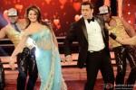 Jacqueline Fernandez and Salman Khan on the sets of Bigg Boss Season 8 Pic 1