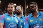 Salman Khan and Sunil Shetty at a Celebrity Cricket League match