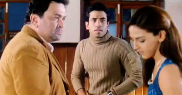 Rishi Kapoor, Tusshar Kapoor and Esha Deol in a still from movie 'Kucch To Hai'