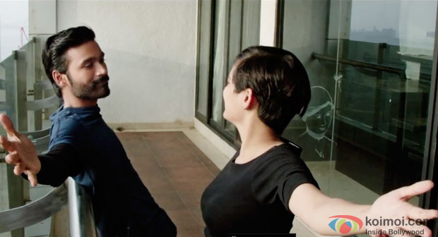 Dhanush and Akshara Haasan in a still from movie 'Shamitabh'