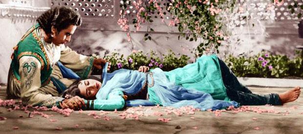 still from movie 'Mughal-e-Azam (1960)'