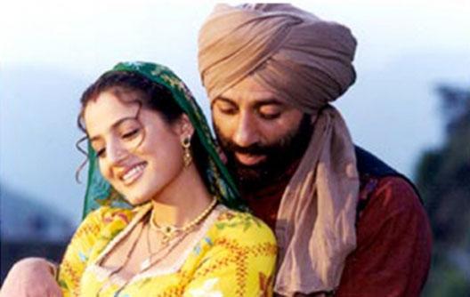 still from movie 'Gadar: Ek Prem Katha (2001)'