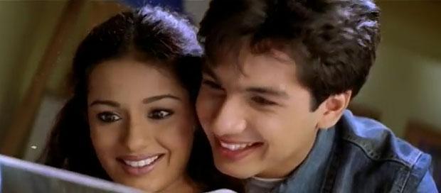 still from movie 'Ishq Vishk (2003)'