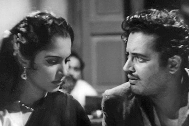 still from movie 'Kaagaz Ke Phool (1959)'