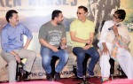 Aamir Khan, Vidhu Vinod Chopra and Amitabh Bachchan during the traier launch of 'Broken Horses' Pic 2