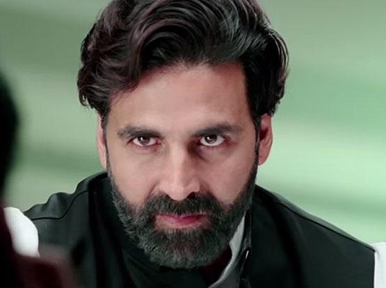 Akshay Kumar in a still from movie 'Gabbar is Back (2015)'