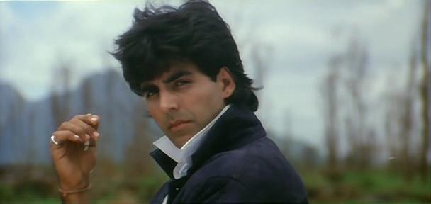 Akshay Kumar in a still from movie 'Khiladi (1992)'