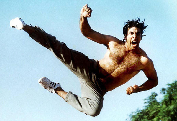 Akshay Kumar in a still from movie 'Khiladiyon Ka Khiladi (1996)'