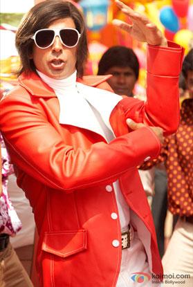 Akshay Kumar in a still from movie 'Action Replayy (2010)'