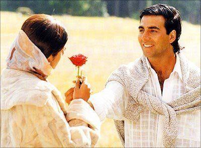 Akshay Kumar in a still from movie 'Dhadkan (2000)'