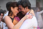 Kareena Kapoor Khan and Akshay Kumar in Gabbar Is Back Movie Stills Pic 2