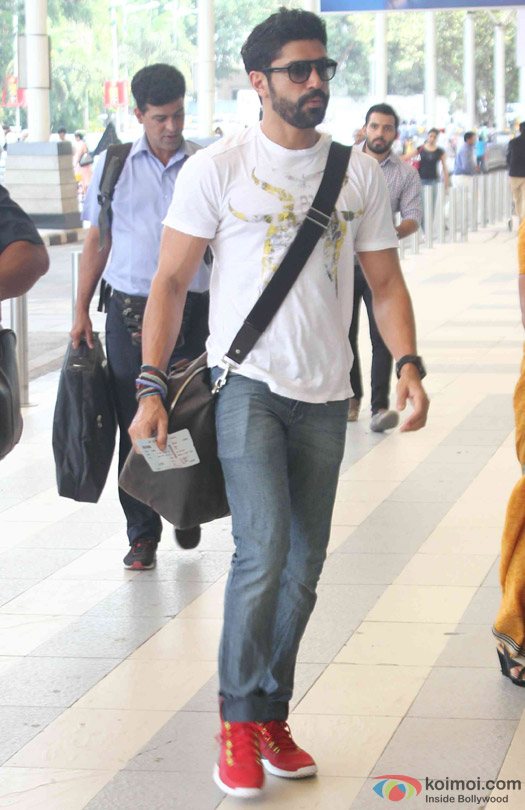 Farhan Akhtar Spotted At Domestic Airport