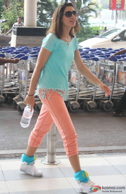 Nargis Fakhri Spotted At Domestic Airport
