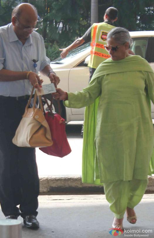 Jaya Bachchan Spotted At Domestic Airport