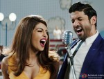 Priyanka Chopra and Farhan Akhtar in Dil Dhadakne Do Movie Stills Pic 2