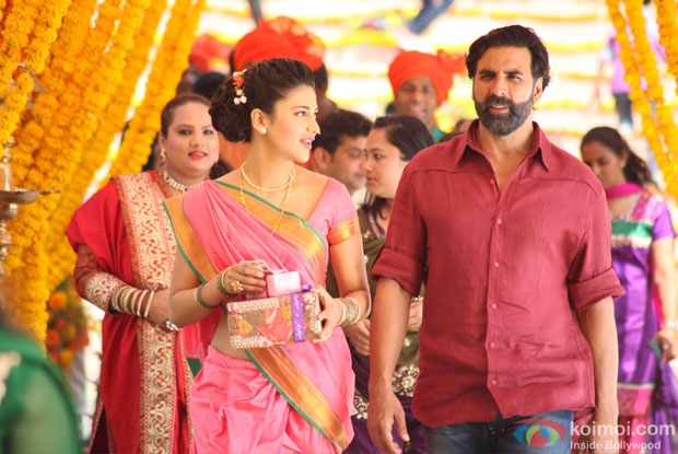 Shruti Haasan and Akshay Kumar in a still from movie 'Gabbar Is Back'