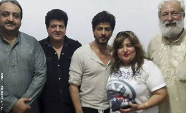 Shah Rukh Khan with Team on the sets of movie 'Raees'