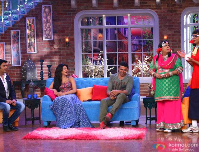 Shruti Haasan and Akshay Kumar Promote Gabbar Is Back On Comedy Nights With Kapil