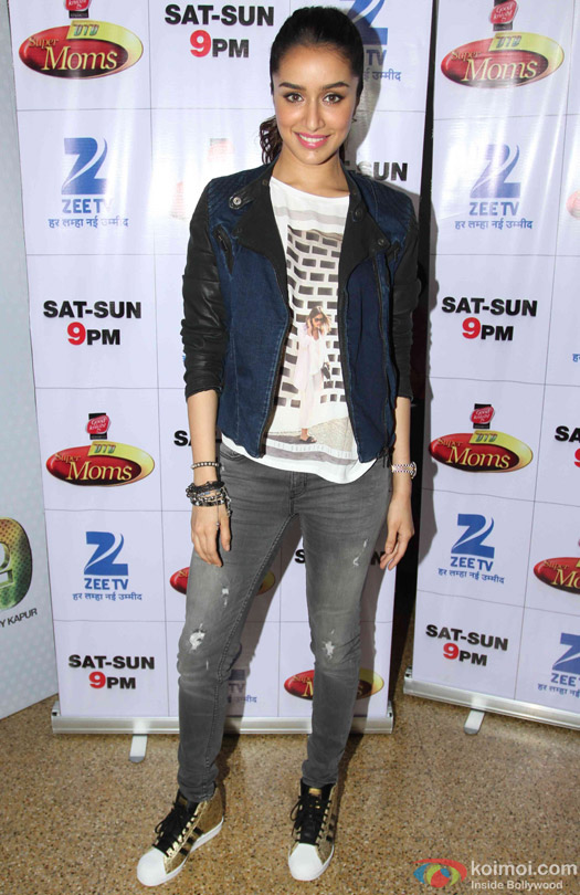 Shraddha Kapoor during the promotion of movie '(ABCD 2) – Any Body Can Dance 2' on the sets of Dance India Dance Super Moms 2