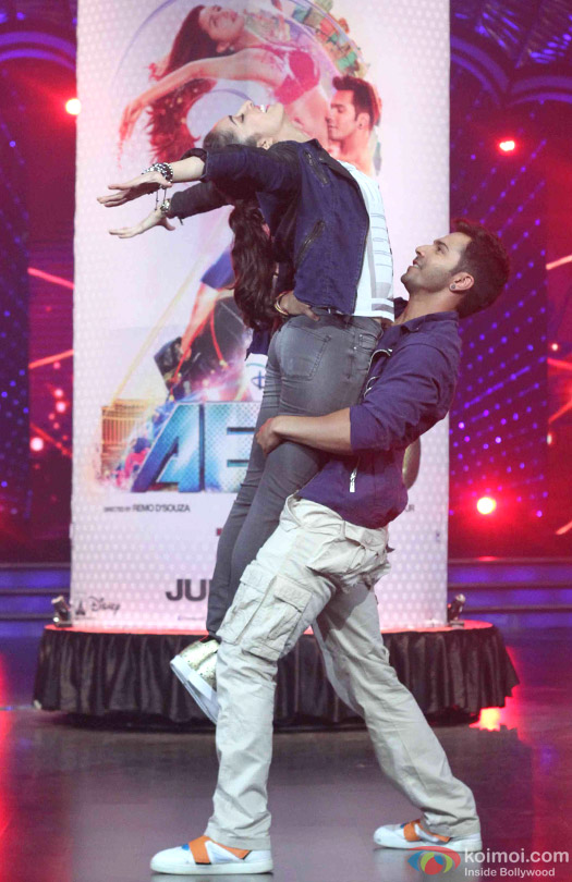 Shraddha Kapoor and Varun Dhawan during the promotion of movie '(ABCD 2) – Any Body Can Dance 2' on the sets of Dance India Dance Super Moms 2
