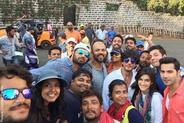 Rohit Shetty,Shah Rukh Khan, Kriti Sanon and Varun Dhawan on the sets of 'Dilwale'