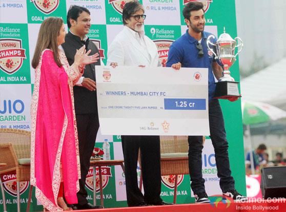 Nita Ambani, Devendra Fadnavis, Amitabh Bachchan and Ranbir Kapoor during the inauguration of JIO Garden