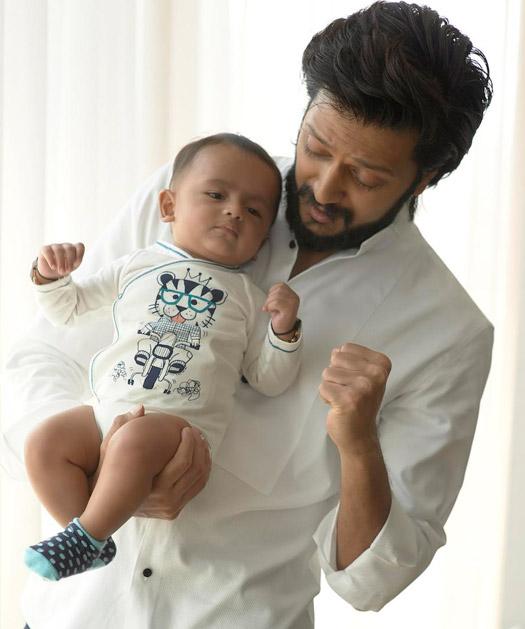 Riteish Deshmukh With Son 'Riaan'