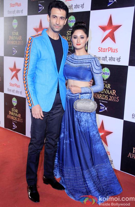 Nandish Sandhu and Rashmi Desai during the Star Parivaar Awards 2015