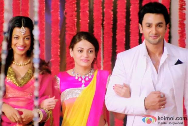 Mugdha Godse, Sneha Ullal and Nishant in a still from movie 'Bezubaan Ishq'