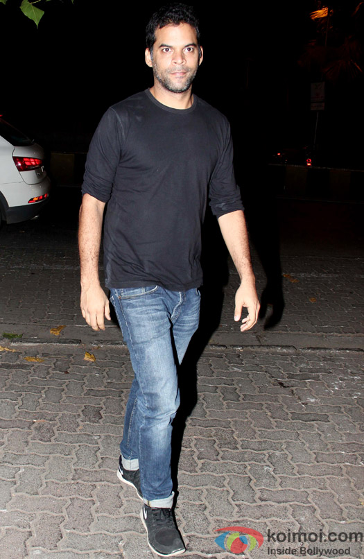 Vikramaditya Motwane spotted at Ranbir Kapoor's house