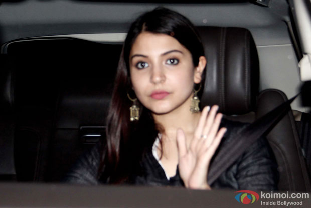 Anushka Sharma spotted at Ranbir Kapoor's house
