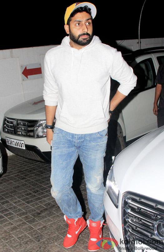 Snapped : Abhishek Bachchan watch movie at juhu pvr Mumbai