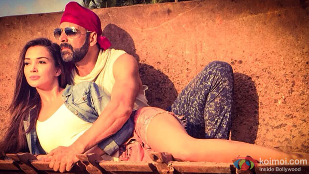 Amy Jackson and Akshay Kumar in a still from movie 'Singh Is Bling'