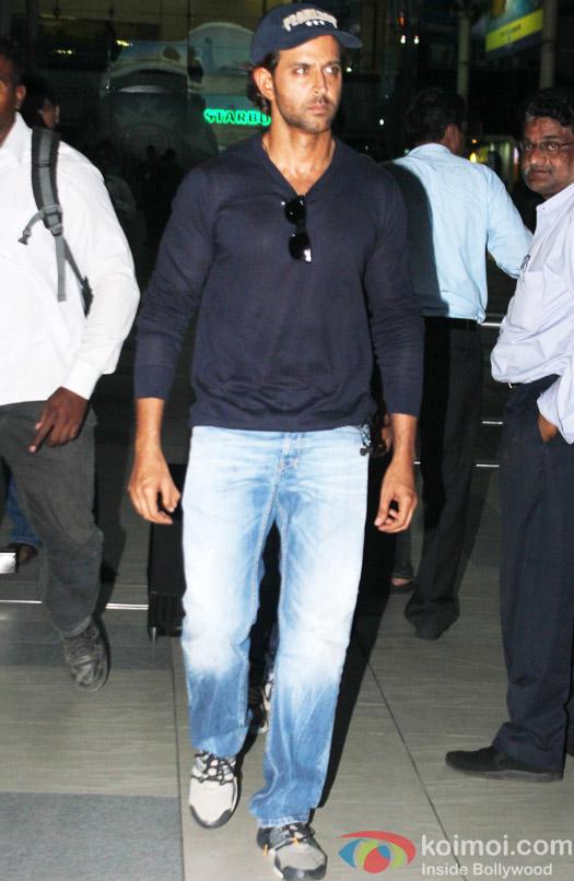 Hritik Roshan Snapped At Airport