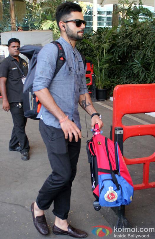 Virat Kohli Snapped At Airport