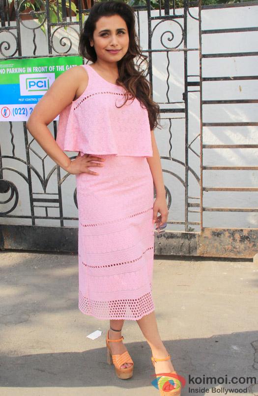 Rani Mukerji Snapped At Famous Studio In Mahalaxmi