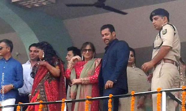 Salman Khan and his family members attend Arpita's wedding reception in Mandi