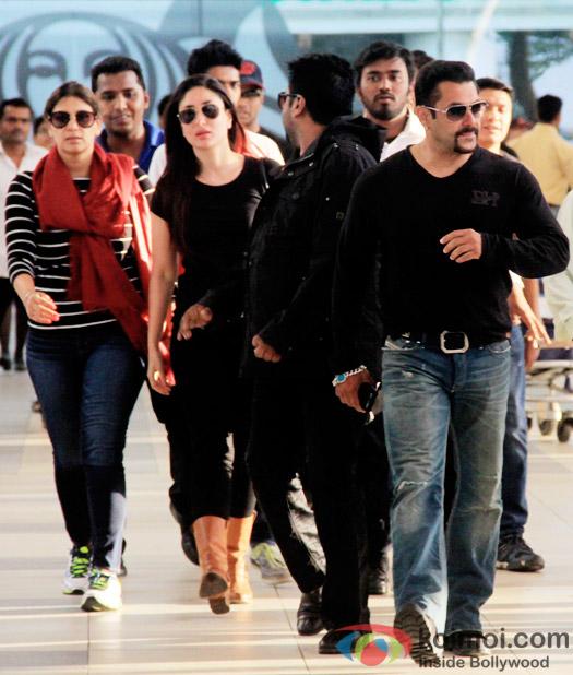 Kareena Kapoor and Salman Khan Wrap Up Bajrangi Bhaijaan ; Snapped At Mumbai Airport