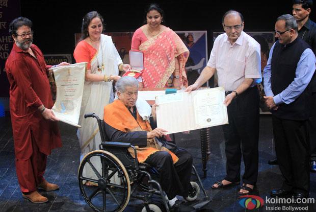 Shashi Kapoor awarded with Dadasaheb Phalke award