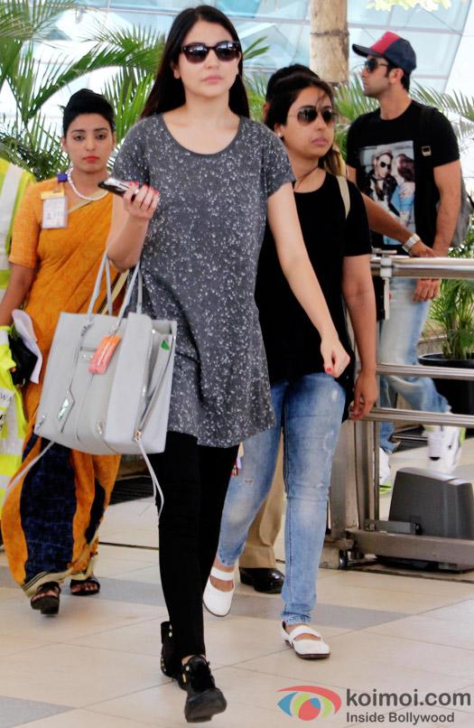 Anushka Sharma and Ranbir Kapoor At Domestic Airport