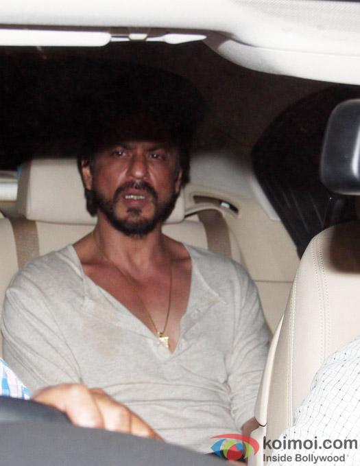 Snapped : Shah Rukh Khan Meets Salman Khan A Day Before The Hit-and-Run Case Verdict