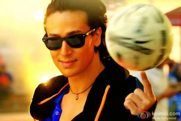 Tiger Shroff  in a still from 'Zindagi Aa Raha Hoon Main' Video Song