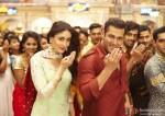Kareena Kapoor and Salman Khan in Bajrangi Bhaijaan Movie Stills Pic 1