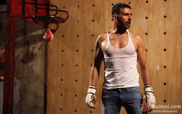 Akshay Kumar in a still from movie 'Brothers'